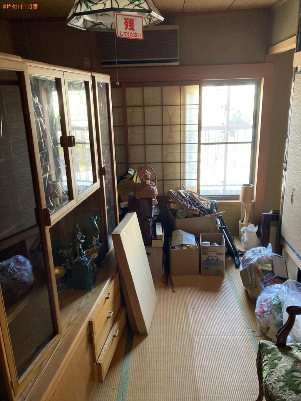 本棚、テレビボード、タンス、食器棚、布団、衣装ケ―ス等の回収